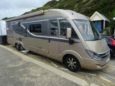 A large motorhome. A Green RVer prefers a smaller one.